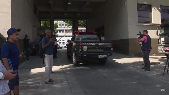 Cabral investigado por desvios em obras no Rio