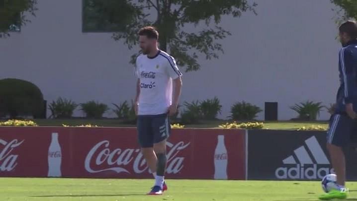 Argentina treina com Messi e precisa derrotar o Chile
