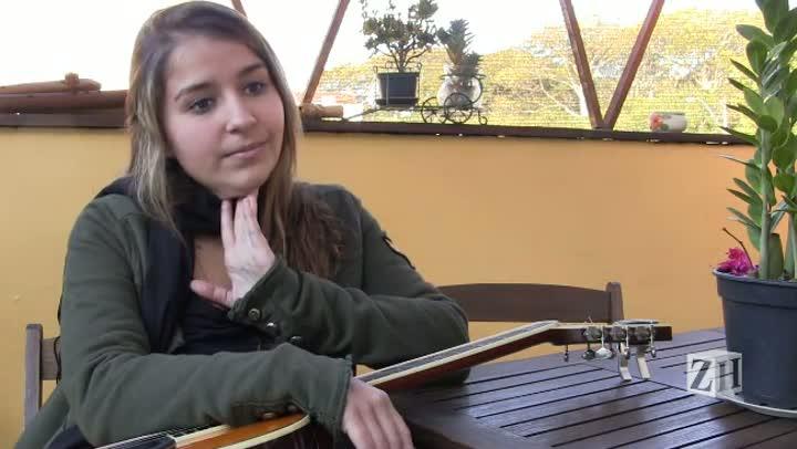Ana Muniz e a música no plural