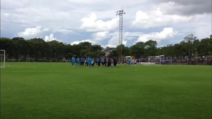 Setor defensivo já recebe ajuste de Enderson Moreira - 15/01/2014