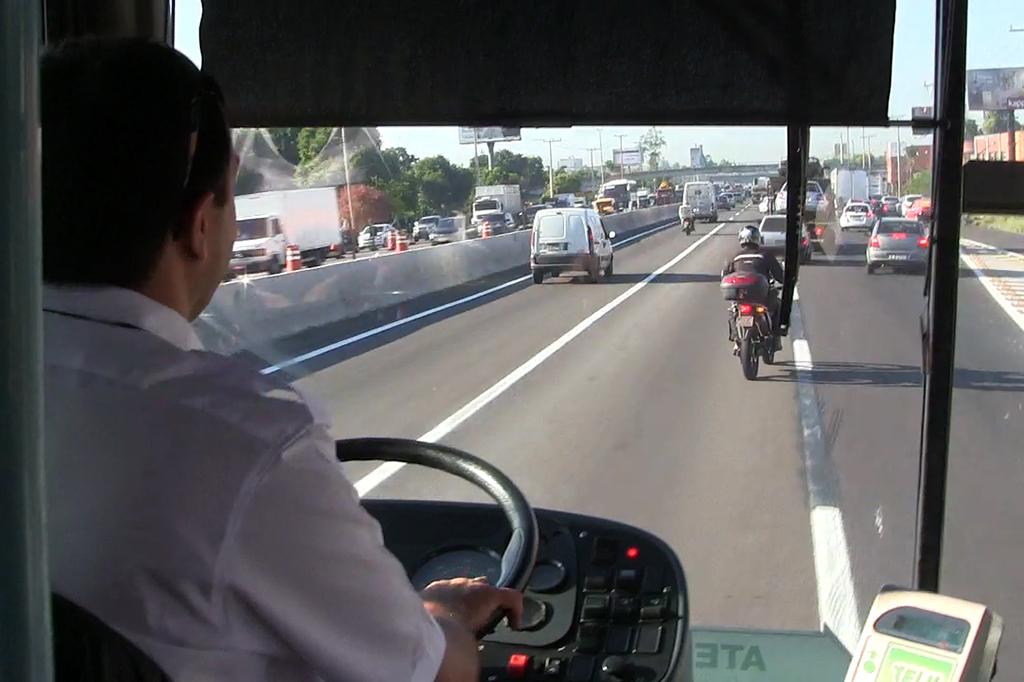 Teste ZH: ônibus Novo Hamburgo - Porto Alegre