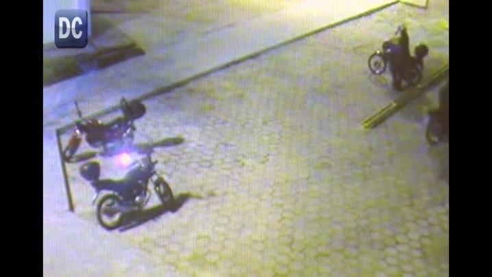 Câmeras registram assalto na UFSC