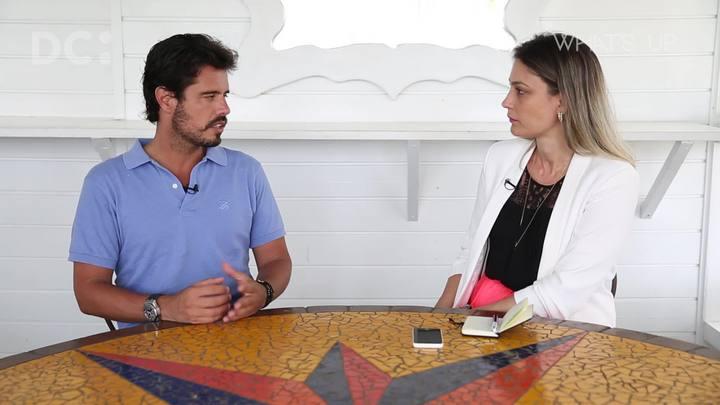 Laura Coutinho entrevista sócio do Café de La Musique