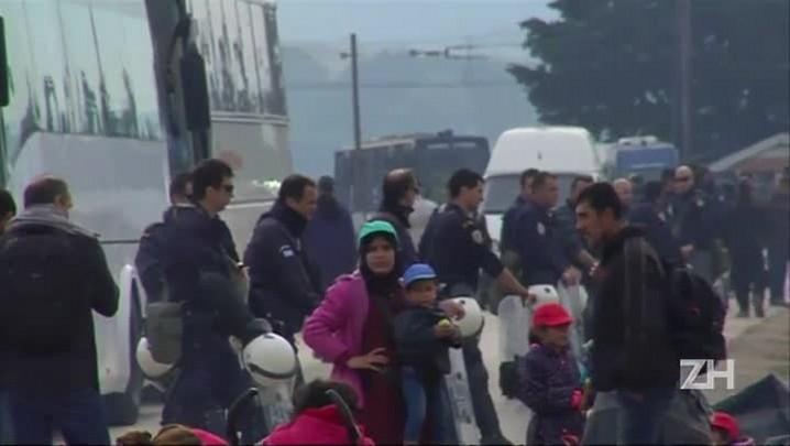 Grécia inicia retirada de imigrantes de Idomeni