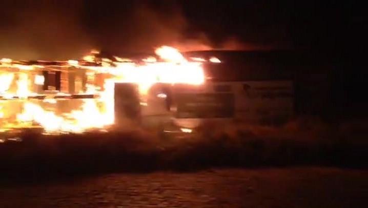 Incêndio atinge obra de creche em Santa Maria