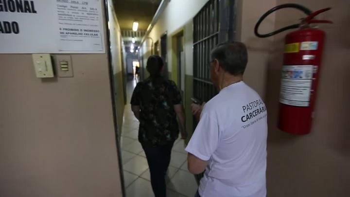 Miguel Feldens dedica-se a ouvir e ajudar presos do regime fechado