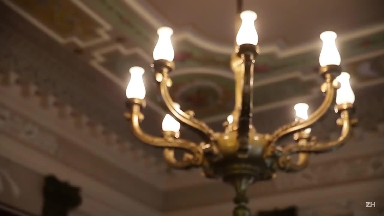 Salão nobre de antigo quartel-general é restaurado
