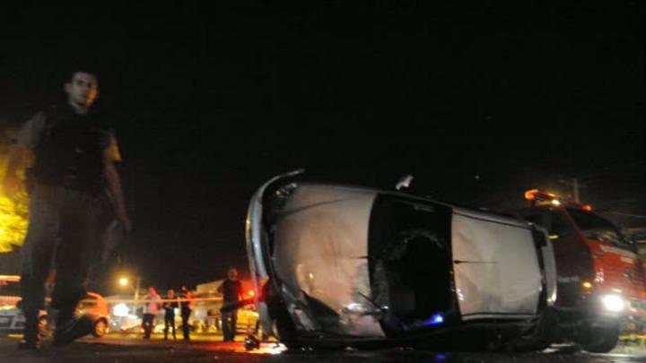 Acidente envolvendo três veículos deixa quatro mortos em Viamão