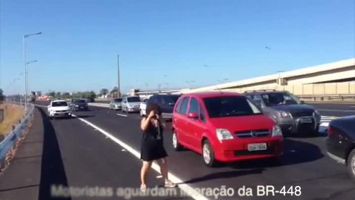 Liberado tráfego de veículos na Rodovia do Parque. 22/12/2013