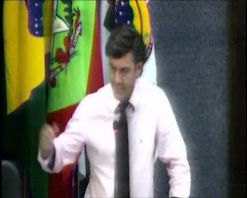 Vereador José Acácio da Rocha indigna-se ao ser barrado em jogo do Marcílio Dias