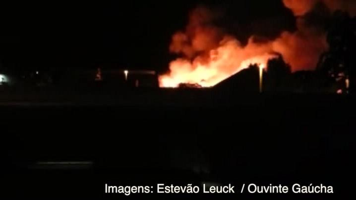 Incêndio atinge loja na zona norte da Capital