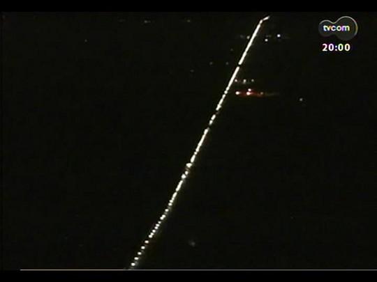 TVCOM 20 Horas - Retorno do feriadão tem congestionamentos nas rodovias - Bloco 1 - 21/04/2014