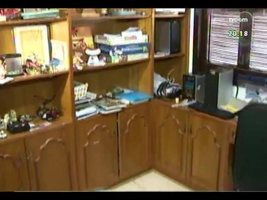 TVCOM 20 Horas - Família paterna do menino Bernardo abre portas da casa para a imprensa - Bloco 2 - 28/04/2014