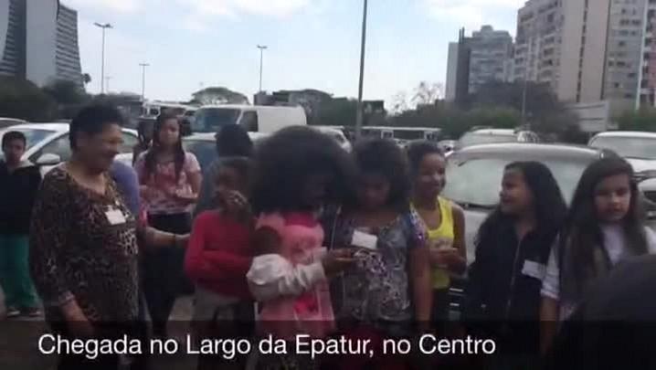 Dona Deli conhece Porto Alegre a bordo do Linha Turismo