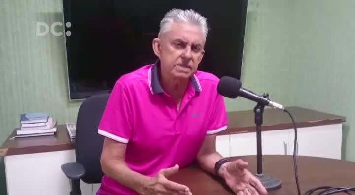 Roberto Alves conta histórias do Carnaval e do futebol