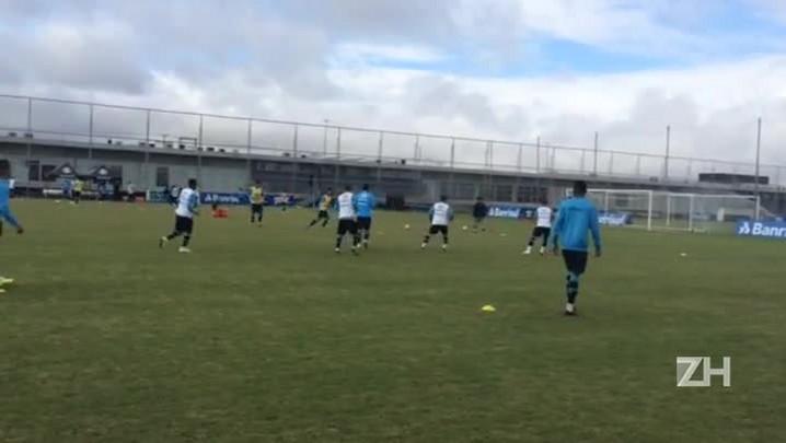Ainda sem Giuliano, Grêmio treina no CT Luiz Carvalho