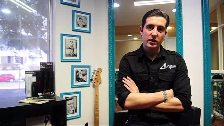 Barbearia de Santa Maria inspirada no rock