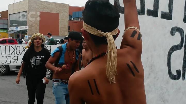 Índios ocupam sede da Funai em Santa Catarina