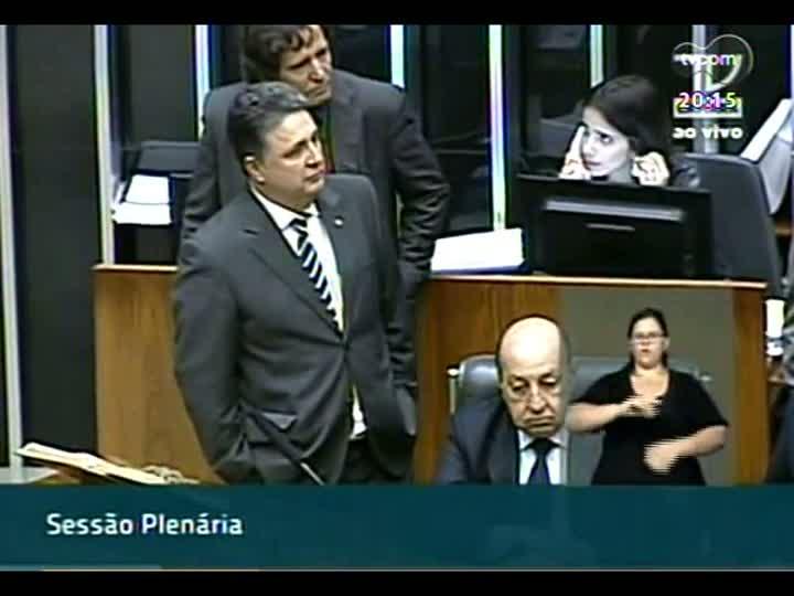 TVCOM 20 Horas - Sessão tumultuada que aprova o texto principal da MP dos Portos - Bloco 2 - 14/05/2013
