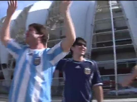 TVCOM 20 Horas - Invasão argentina e a preparação para mais um jogo em Porto Alegre - Bloco 2 - 24/06/2014