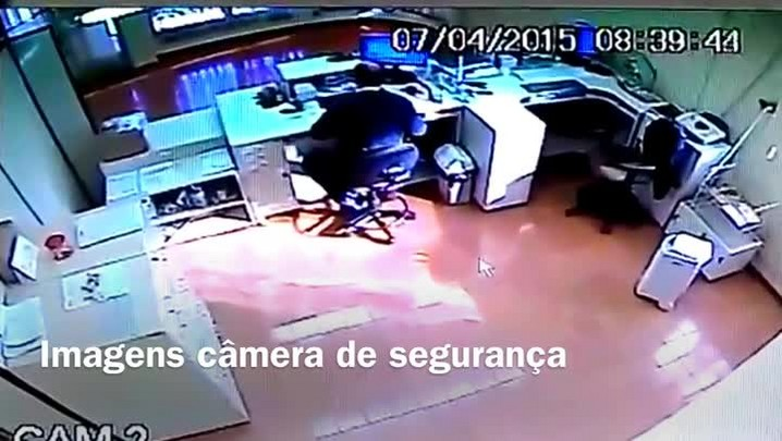 Veja imagens do assalto em agência dos Correios na Serra