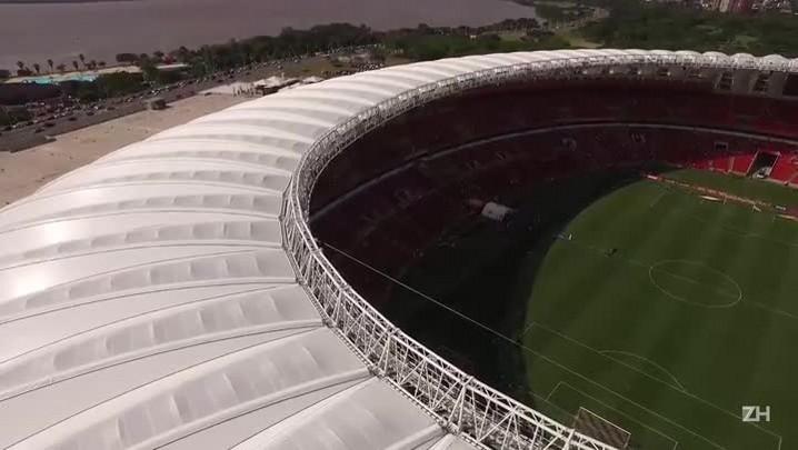 Inter radical: Torcedor atravessa a cobertura do Beira-Rio antes do confronto contra o Cruzeiro