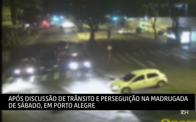 Câmeras de segurança mostram momento em que ambulante é cercado por taxistas