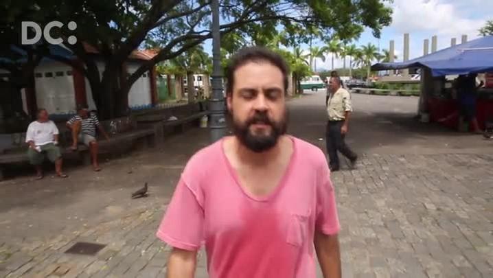 Grupo de teatro Erro utiliza as ruas como palco