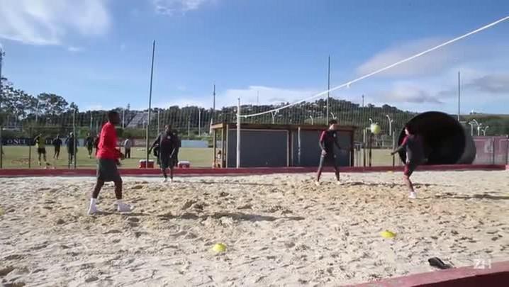 Lesionados do Inter jogam futevôlei