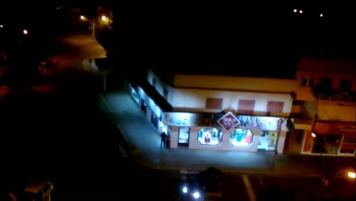 Cinegrafista amador registra ação de assaltantes em Torres