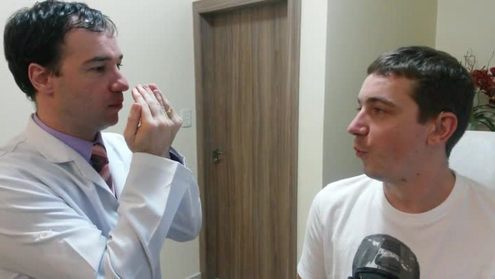 Confira como foi o teste de audição do segundo paciente a fazer o implante coclear no Vale do Itapocu