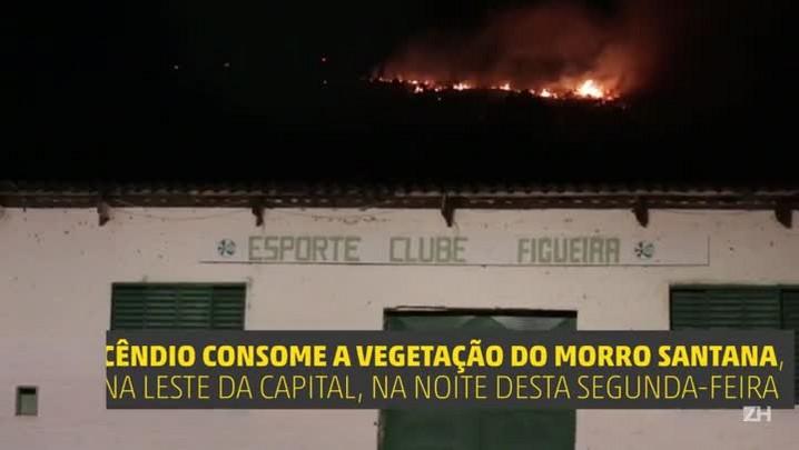 Bombeiros combatem incêndio no Morro Santana