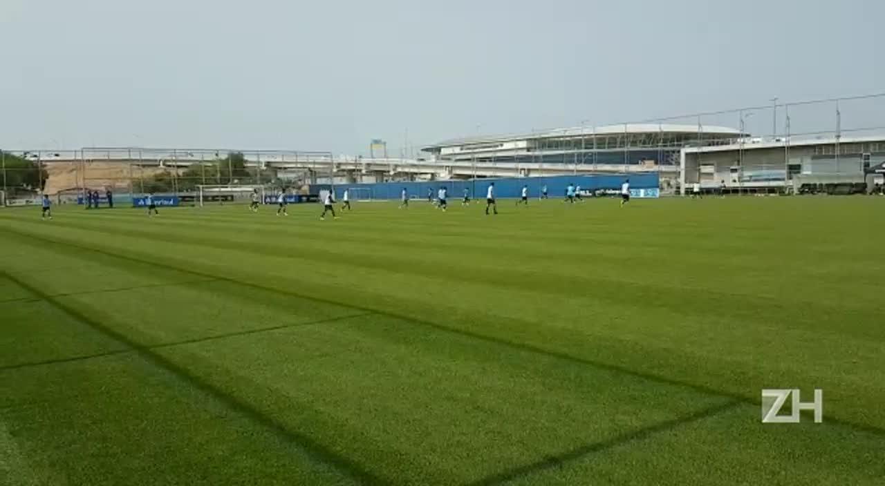 Grêmio treina para confronto com o Cruzeiro pela Copa do Brasil