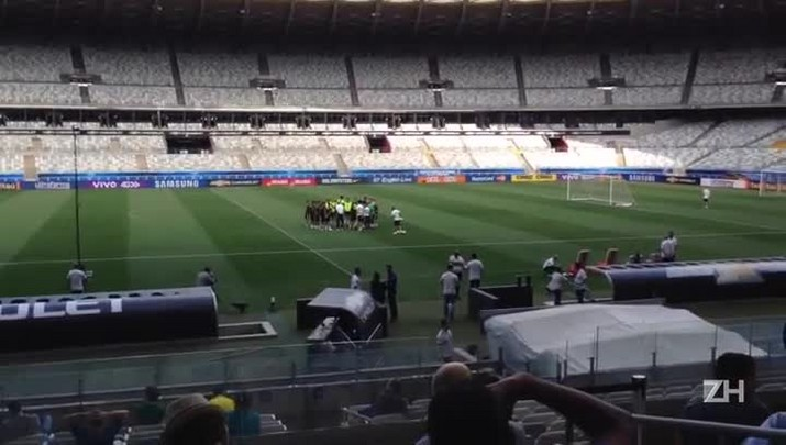 Brasil faz último treino antes de enfrentar a Argentina