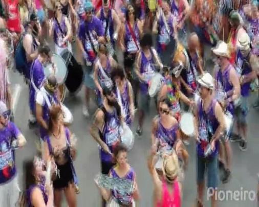 Bloco da Ovelha, Acadêmicos do Luizinho e Bloco da Velha reuniram milhares de foliões no Carnaval de Caxias do Sul
