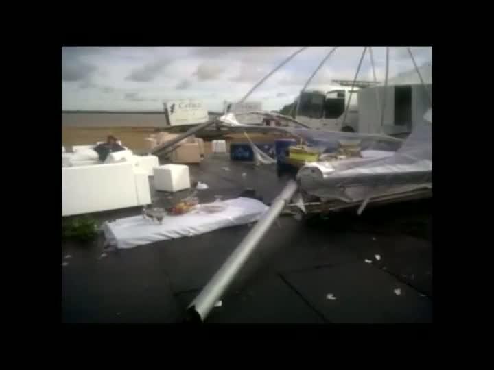 Vídeo: veja estragos causados pelo temporal na festa do Réveillon na Usina do Gasômetro