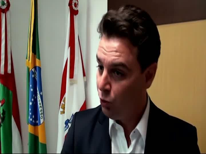 Entrevista com o prefeito Cesar Souza Junior