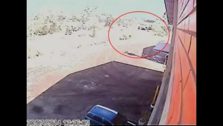 Imagens mostram caminhão em frente a carreta envolvida no acidente com funcionários da BMW
