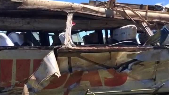 Veja como ficou o ônibus após o acidente na BR-282