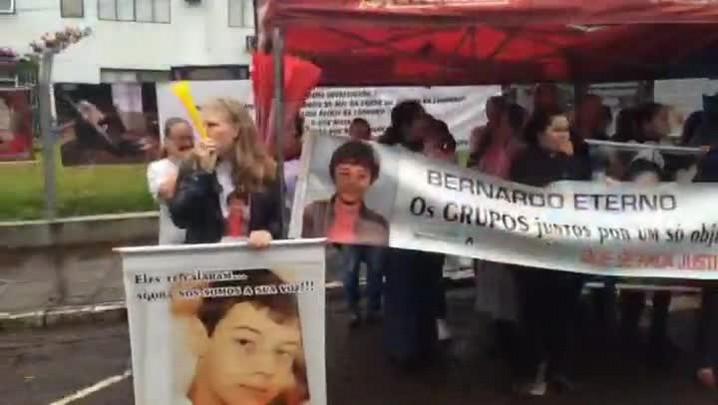 Confira imagens do dia de interrogatório dos réus do Caso Bernardo. 27/05/2015