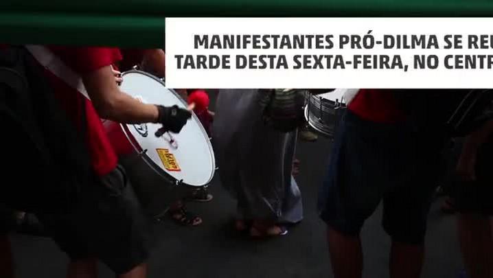 Ato pró-Dilma reúne milhares no centro de Porto Alegre