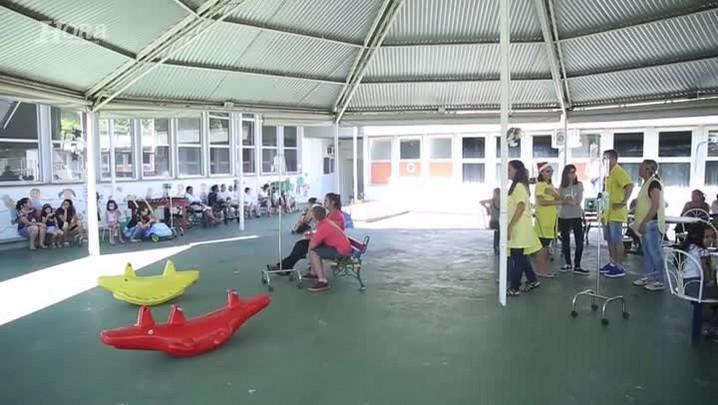 Homem-Aranha e Batman visitam as crianças do hospital infantil Joana de Gusmão, em Florianópolis