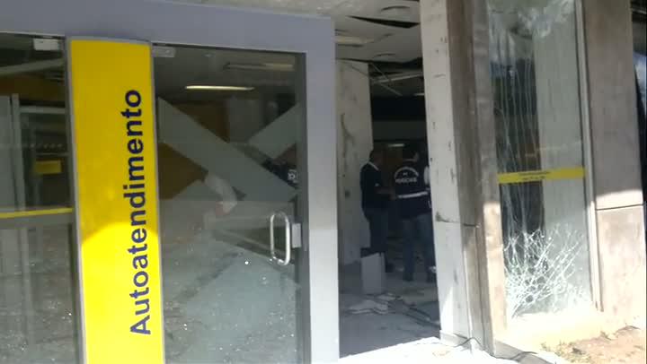 Bandidos usam explosivos para roubar banco em Canguçu