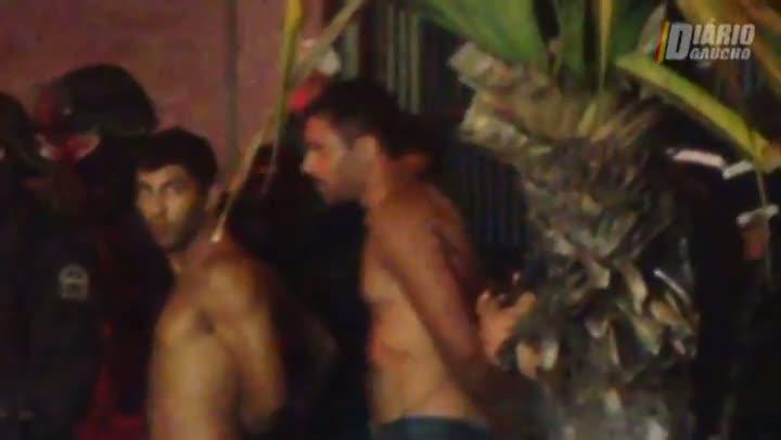 Ladrões se entregam após assalto com reféns no Centro da Capital