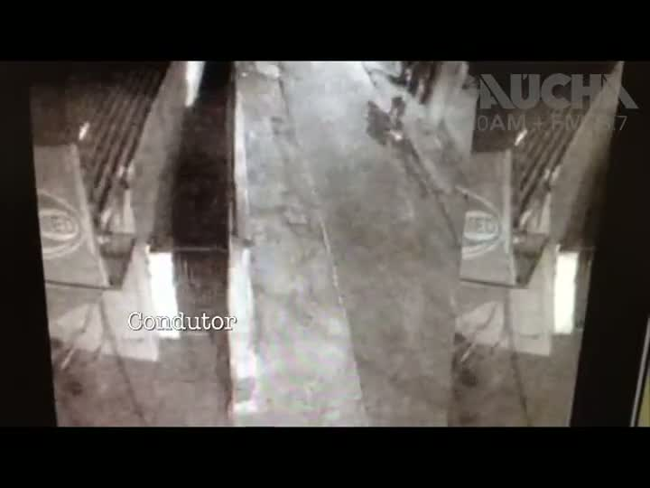 Polícia usa imagens para esclarecer assassinato na Zona Leste de Porto Alegre. 15/01/2013