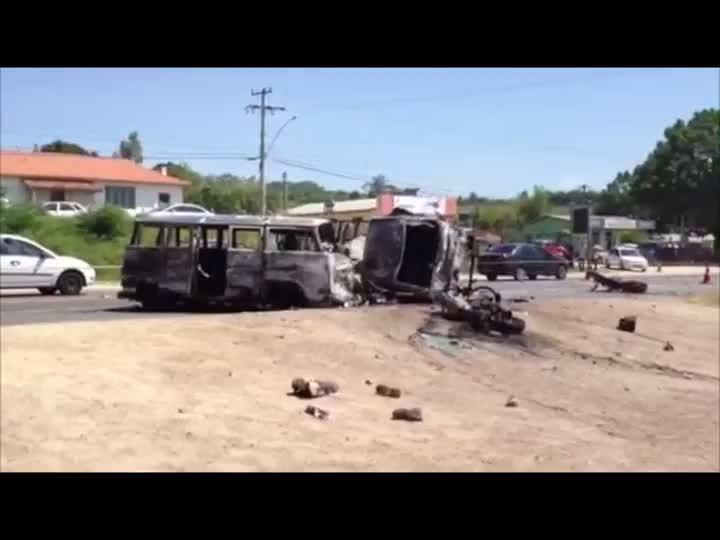 Acidente grave mata dois e deixa cinco feridos na RS-040, em Viamão. 31/01/2013
