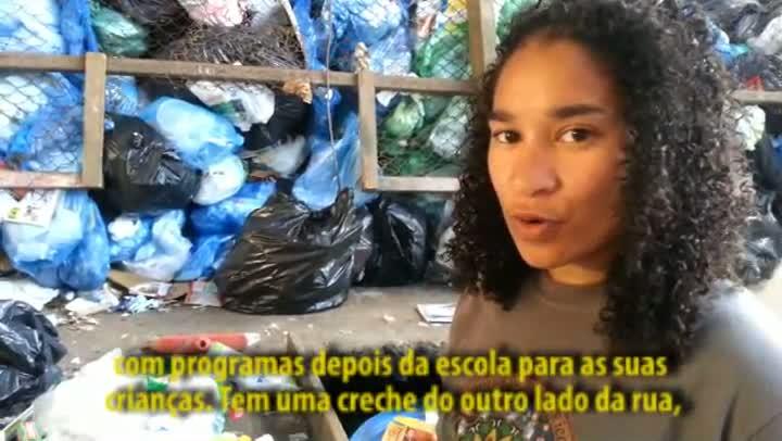 Voluntários americanos trabalham em Porto Alegre
