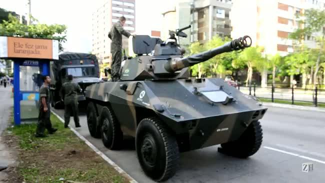 Tanque do Exército quebra na Capital