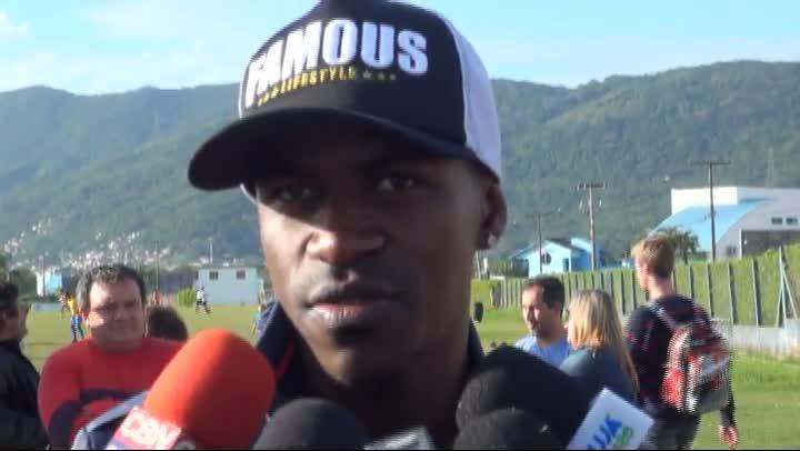 Entrevista com o jogador Ramires do Chelsea