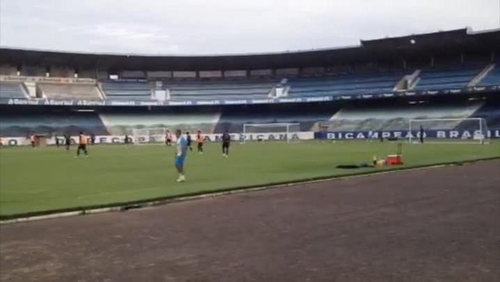 Zé Roberto está fora do jogo contra o Nacional. 07/04/2014